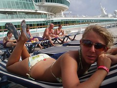 413762024QZhRhU_fs (Zappacity) Tags: girl stained bikini barefoot cruiseship soles sunlounger thepose cheapflipflops filthyfeet