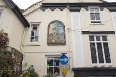 Fowey, Cornwall (new folder) Tags: fowey cornwall architecture oneway arrow rightarrow pub theshipinn typography