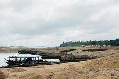 Jaflong, sylhet (Rafio Islam) Tags: jaflong sylhet sylhetbangladesh bangladesh river riverine boat boatriver sand