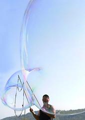 Mille bolle blu..... (illyphoto) Tags: photodiilariaprovenzi photoilariaprovenzi illyphoto bolledisapone bolle bolla ziopasticcio