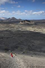 On a march sur la lune (David Rosset) Tags: spain espagne montaa negra volcan lanzarote cratre paysage lunaire