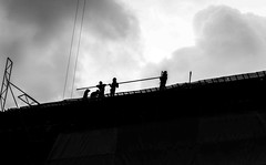 Construction workers in Bangkok (Romain Roellet) Tags: thalande construction workers bangkok bkk krung thep asia asian thailand thai street photography visions bw black white contrast cloudy summer trip
