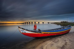 Gravity of colors, Ria de Aveiro (paulosilva3) Tags: ria de aveiro portugal sunrise waterscape landscape lakescape boat first light blue mist clouds sky longexpos lee filters little stopper manfrotto lowepro canon eos 6d