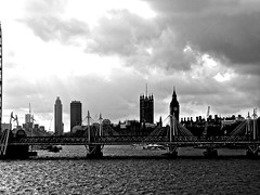London Gray (llewelynjarvis) Tags: contrast passion panasonic dmcgf5 lumix g art frozen time aperture artwork pic picture photo photography goals mood followme camera digital liveyourlife artphotography photographyislifee photographylovers photooftheday yes city goodday freetime goodvibesonly skyline london blackandwhite outdoor sky monochrome londontown greyscale river thames bridge