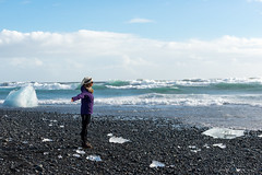 Aurlia @ Jkulsrln - Glacier Lagoon (Photocedric) Tags: iceland sand ocean water black beach islande sea glacier ice is