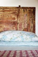 B&B C dei Casai. (Fabrizio.Annibali) Tags: beb casai gaino maderno toscolano letto bed blanket gardalake lake garda pillow cuscino