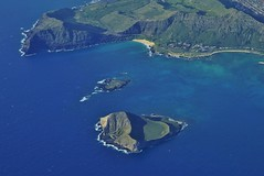 Mānana Island and Makapuu (Eric Tessmer, Honolulu Hawaii) Tags: oahu rabbitisland kaupobeach makapuu hawaii honolulu diamondhead kokocrater waimanalo reef beach aerial sealifepark erictessmer sea