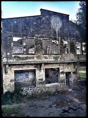 Atelier de la corniche..... (laurent Showl20) Tags: urbex ruines abandoned atelier maritime decay ruins batiment architecture