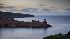 Roca del Elefante - Elephant rock (eugenio2011) Tags: mediterrneo filtrosnd canon550d sigma18200 acantilados menorca largaexposicin