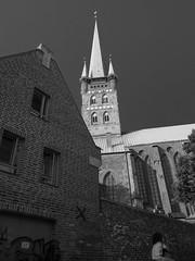 Altstadt von Lbeck (16): Petrikirche (Teelicht) Tags: altstadt architektur deutschland germany kirche lbeck petrikirche schleswigholstein stpetri architecture church historicdistrict oldcity luebeck