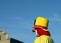 Clown--Yellow (PAJ880) Tags: clown quincy ma christmas parade wollaston 2016
