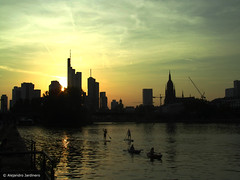 River sports (hightower185) Tags: sunset summer panorama skyline skyscrapers frankfurt highrises wolkenkratzer hochhäuser
