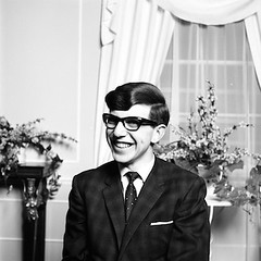 1963_05_17_Stephen-Hawking_06 - Version 2 (hawkingfan) Tags: glasses suit cleancut stephenhawking 48glebeplace