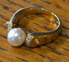 "14k GOLD RING WITH PEARL • <a style=""font-size:0.8em;"" href=""http://www.flickr.com/photos/51721355@N02/21859315392/"" target=""_blank"">View on Flickr</a>"