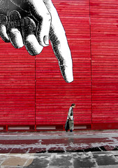 finger (Paul the silent) Tags: streetart london wall streetphotography redwall londra dito