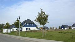 """Ferienhauspark """"Sonnengarten Altefhr"""" (Carl-Ernst Stahnke) Tags: postbank urlaub rgen ausflge strelasund erholung vermietung altefhr ferienhuser vermarktung novasol ferienhauspark"""