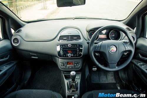 Fiat-Abarth-Punto-6