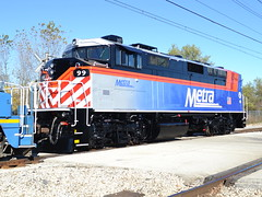 Sharp looking! (Robby Gragg) Tags: chicago 99 metra f59ph