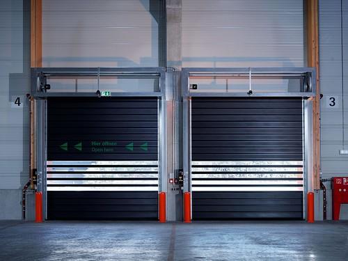 Спиральные скоростные ворота. Спіральні швидкі ворота. Hi speed spiral doors. EFAFLEX_Messe_015