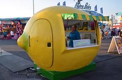 Lemonade Stand At The New York State Fair (Joe Shlabotnik) Tags: 2016 syracuse lemonade newyorkstatefair lemon statefair september2016 afsdxvrzoomnikkor18105mmf3556ged