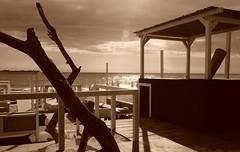 L'estate sta finendo (Gerlando Barba) Tags: mare spiaggia tramonto italia agrigento seppia