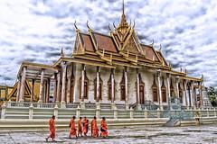 Palacio Real - Nom Pen, Camboya (Cuernavaca, Morelos Mexico) Tags: preah barom reachea vaeng chaktomuk norodom cambodia camboya nom pen monks monges asi nikon d5300