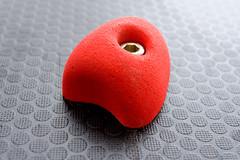 Red Element (XoMEoX) Tags: red element rot kletterwand climbing detail d5200 nikon screw schraube wall wand climbingwall spielplatz playground noppen