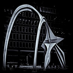 Flamingo Sculpture at Federal Building in Chicago (jcblackstone) Tags: flamingo sculpture chicago federalbuilding canon 5d blackandwhite monochrome selenium tmaxpro