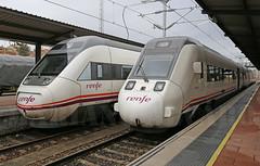 121 & 599 (Mariano Alvaro) Tags: 599 121 renfe regionales salamanca tren trenes caf