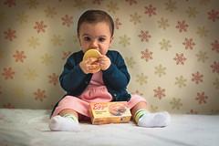 Clara Sophia Eleven - Eleven comendo waffles (Italberto Dantas) Tags: eleven strangerthings canon 60d 5d eos brasil brazil chidren criana
