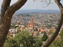 San Miguel de Allende, Guanajuato (carlos mancilla) Tags: sanmigueldeallende guanajuato ciudades cities pueblos towns olympussp570uz