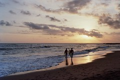 good vibes only (Alessandra Poli) Tags: surf vibes sunset bali indonesia youth friends waves ocean island alessandrapoli