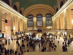 Busy in Terminal (csumbinternationalstudents) Tags: csumbjapanexchangecsumbjapanwlccsumbinternationalcsumbintlexchnonverbal yim9071 grandcentralterminal newyork gosipgirl