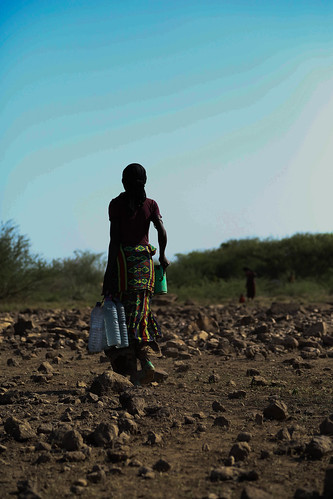 Udma Aba, a mother of six children comes a long way from Gelahaytu village which is 35 kms far from Keroma kebele in Gewane woreda (district) Afar region, Ethiopia where water trucking is being provided.