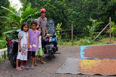 DSCF5017 (winnieyklai) Tags: spiceislands maluku moluccas girls cloves clove clovedrying spice spicetrade ternate pulauternate