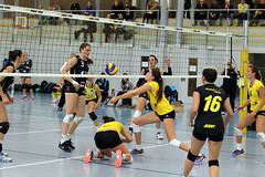 GO4G3346_R.Varadi_R.Varadi (Robi33) Tags: game girl sport ball switzerland championship team women action basel tournament match network volleyball block volley referees viewers