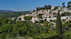 Bonnieux en Lubron (jean-marc losey) Tags: france provence vaucluse lubron bonnieux village perch d700