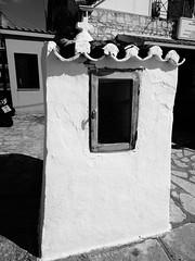 Σκιαθος DSC04436 (omirou56) Tags: 43ratio sonydscwx500 ασπρομαυρο ελλαδα ελλασ νησι προσκυνηταρι greece hellas blackwhite monochromo σκιαθοσ skiathos
