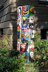 MittwochsGesichter (Sockenhummel) Tags: mainzerstrasse skulptur mcg mariecurieschule kunst art sule bunt gesichter skulpur fuji x30 fujifilm finepix fujix30