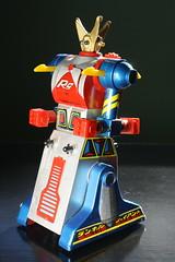 Die-Cast Metal Ramble Giant (Takemi 1978) (Donald Deveau) Tags: ramblegiant robot diecast metal vintagetoy toys toyphotography japanesetoy tvshow takemi thegreatufowarfightredtiger flyingbase