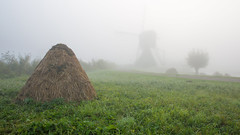 Foggy days in Kinderdijk (wimzilver) Tags: wimboon wimzilver kinderdijk alblasserdam holland nederland canonef2470mmf28liiusm