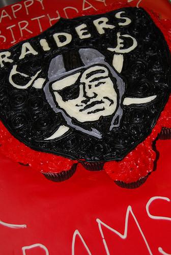 330-polkatots cupcake cakes