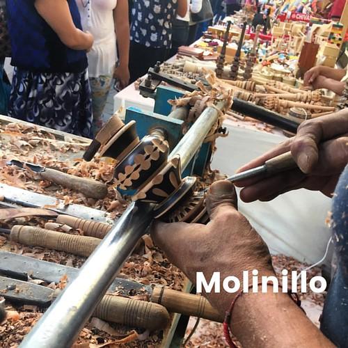 Palabra de día - Molinillo - pieza hecha a mano que se usa para hacer chocolate Oaxaqueño - Como agua para chocolate - A handmade piece of art used to make Oaxacan Chocolate. Like water for chocolate #palabradeldia #spanishwordoftheday #chocolate #オアハカ #メ