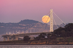Super Moon Over Bay Bridge (Jaykhuang) Tags: supermoon moonrise baybridge bayarea sanfrancisco oakland eastspan eastbay jayhuangphotography november132016 fullmoon