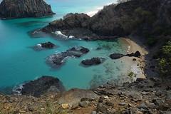 Porcos (dotcomdotbr) Tags: fernando noronha sony a77 paisagem natureza porcos gua praia mar sal1650
