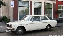 Volvo 142 1971 (XBXG) Tags: auto old holland classic haarlem netherlands car vintage volvo 1971 automobile sweden nederland swedish voiture sverige paysbas 142 ancienne zweden volvo142 sudoise 8194rm
