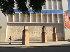 Museo Nacional de Bellas Artes de La Habana (jericl cat) Tags: sculpture brick art museum modern screw exterior havana vieja heads cuban habana artes nacional bellas 2015 museonacionaldebellasartesdelahabana