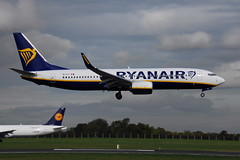 EI-FIT Boeing 737-8AS Ryanair (eigjb) Tags: ireland dublin irish plane airplane airport october aircraft aviation low jet international airline boeing ryanair spotting airliner 737 b737 2015 fares collinstown eidw 7378as eifit