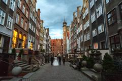 Mariacka Street Fairytale (lncgriffin) Tags: travel history architecture zeiss bride nikon europa europe poland polska d750 gdansk danzig distagon balticamber mariackastreet ulicamariacka distagon2128zf ambertrade