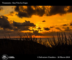D8A_2780_bis_San_Vito_Lo_Capo (Vater_fotografo) Tags: sicilia salvatoreciambra sanvitolocapo sanvito spiaggia seascape sabbia sole ciambra clubitnikon cielo controluce nikonclubit nikon nuvole natura nwn nuvola ngc silhouette vaterfotografo